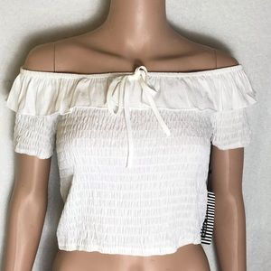 ✅ New white off the shoulder crop top Large
